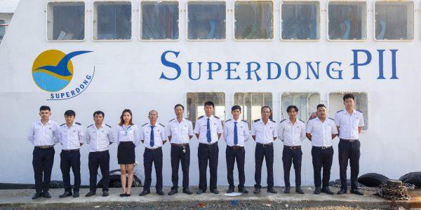 đội ngũ nhân viên superdong